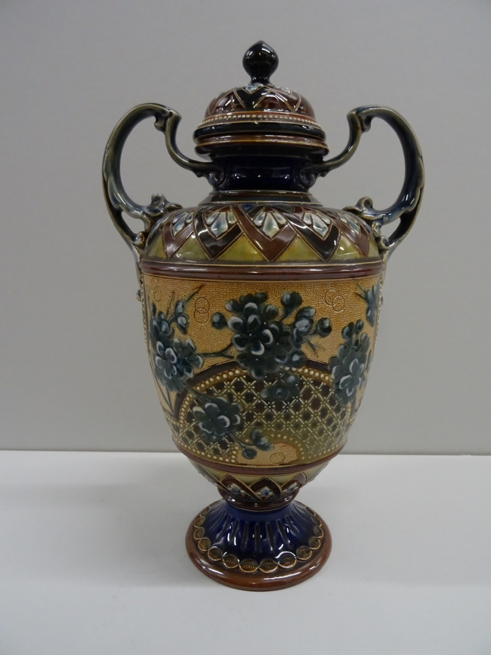 doulton lambeth vase and cover