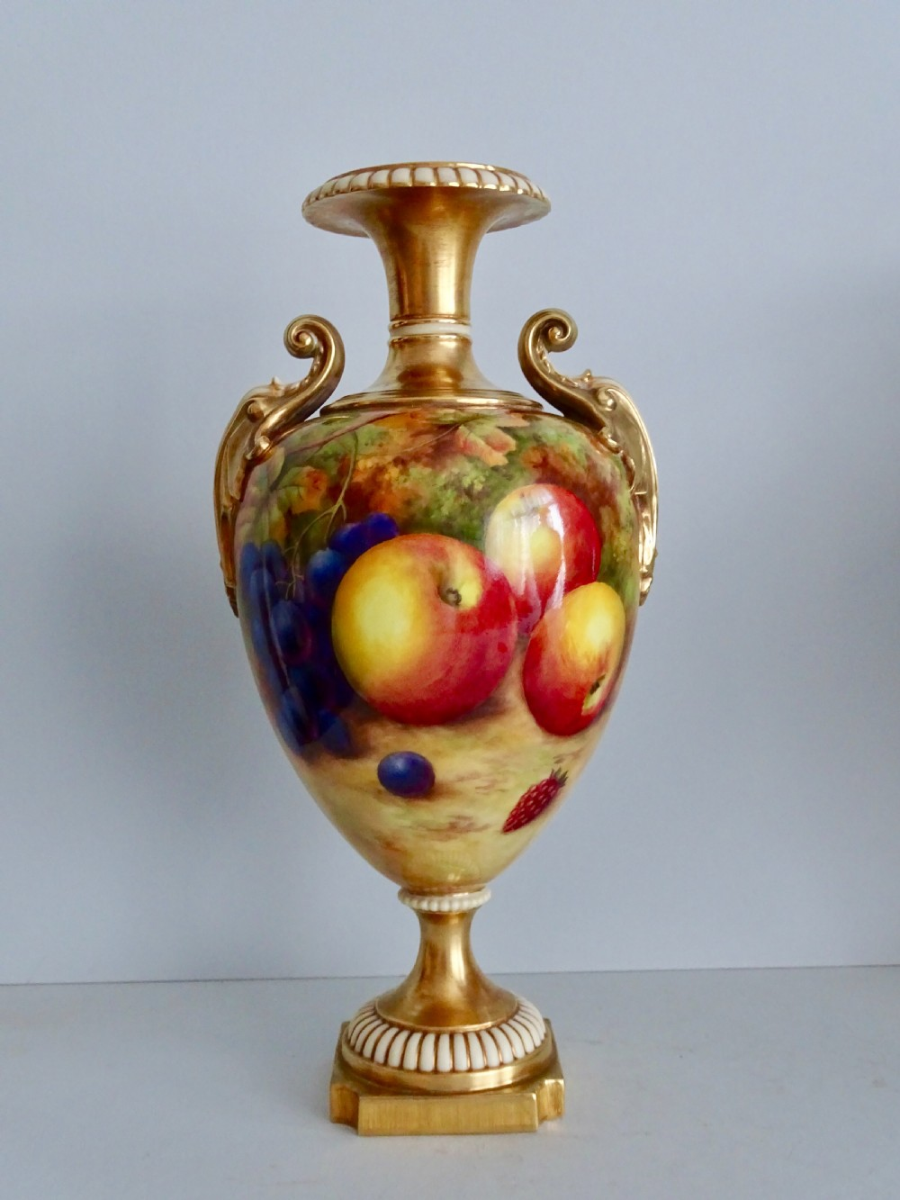 royal worcester price fruit vase